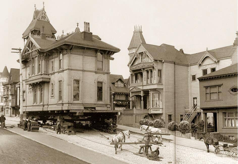 Can you imagine moving and entire house....using horses?  (San Francisco, 1908)