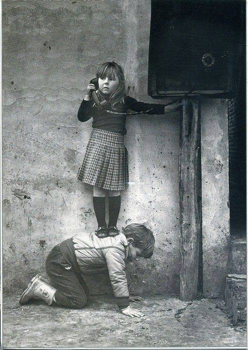 Creative problem solving, chivalry, adorable, what ever you call it, we call it a great old photograph. (undated)